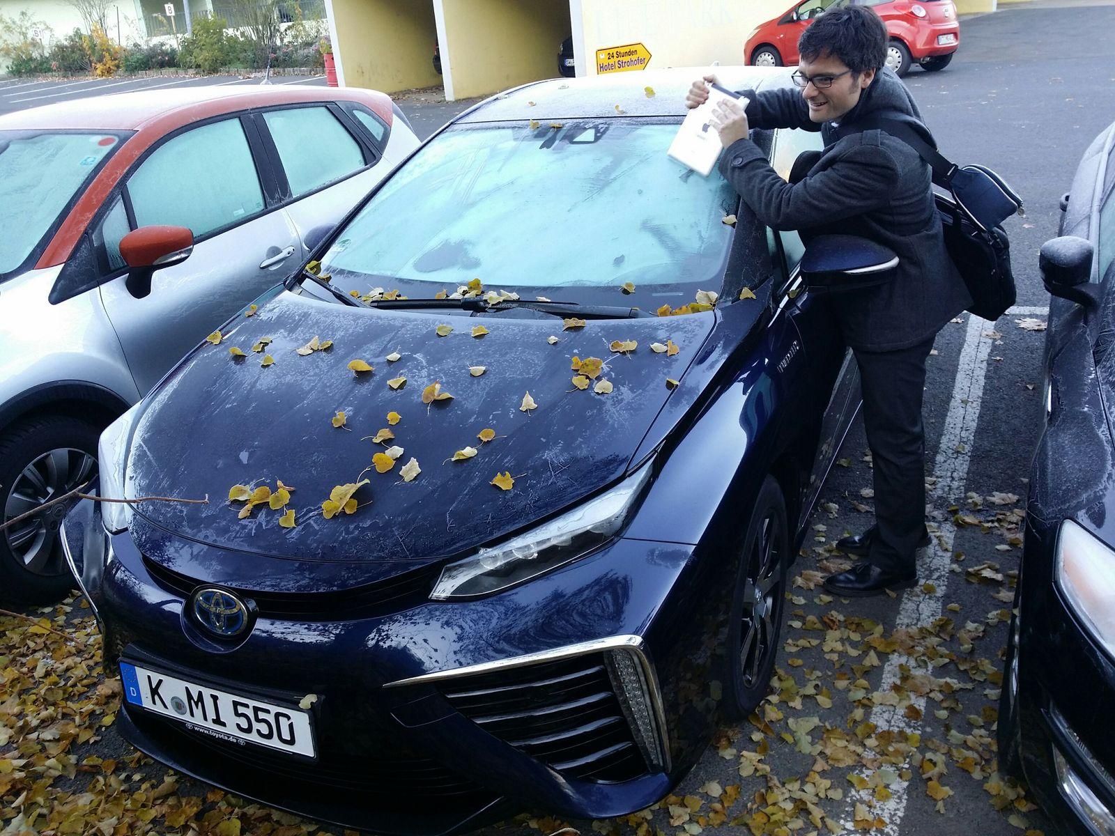 Toyota Mirai / Geiselwind / Eis kratzen