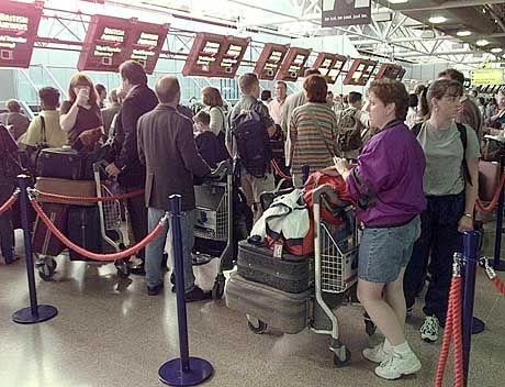Gestrichene und verspätete Flüge: Am Flughafen London Heathrow gilt höchste Alarmbereitschaft