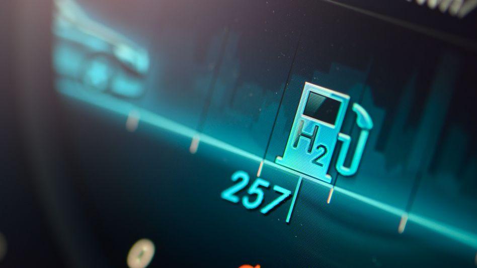 Wasserstoff-Anzeige im Elektrohybrid: Die EU-Kommission soll nach dem Willen der Bundesregierung möglichst schnell einen Wasserstoff-Fahrplan vorlegen