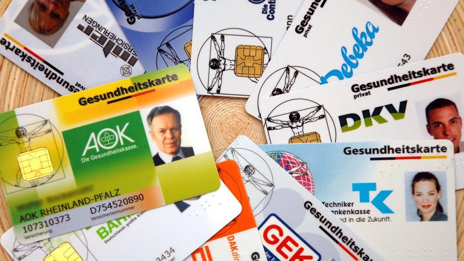 Derzeit dicke Finanzpolster: Viele gesetzliche Kassen zahlen aktuell Geld an ihre Kunden zurück. Doch die meisten werden wohl schon ab 2015 einen Zusatzbeitrag erheben, sagt der Marktführer TK voraus