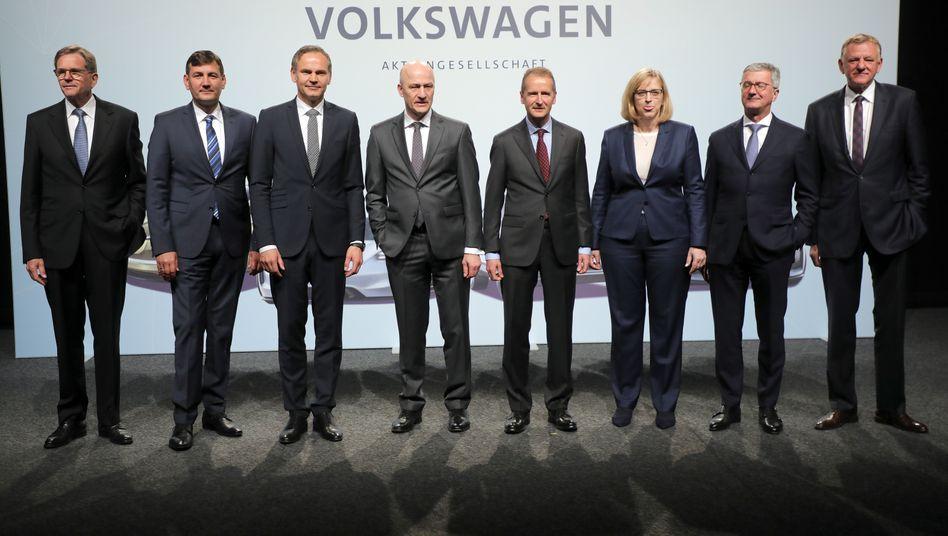 Volkswagen-Vorstand im Mai 2018: Ein Vorstandsmitglied kassierte im vergangenen Jahr im eine Vergütung 6,0 Millionen Euro im Schnitt - und damit 97 Mal so viel wie ein Mitarbeiter bei VW im Schnitt erzielte