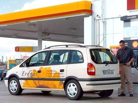 Erdgas als Treibstoff:Die Fahrzeuge verbrauchen mehr Energie als Benziner oder Diesel