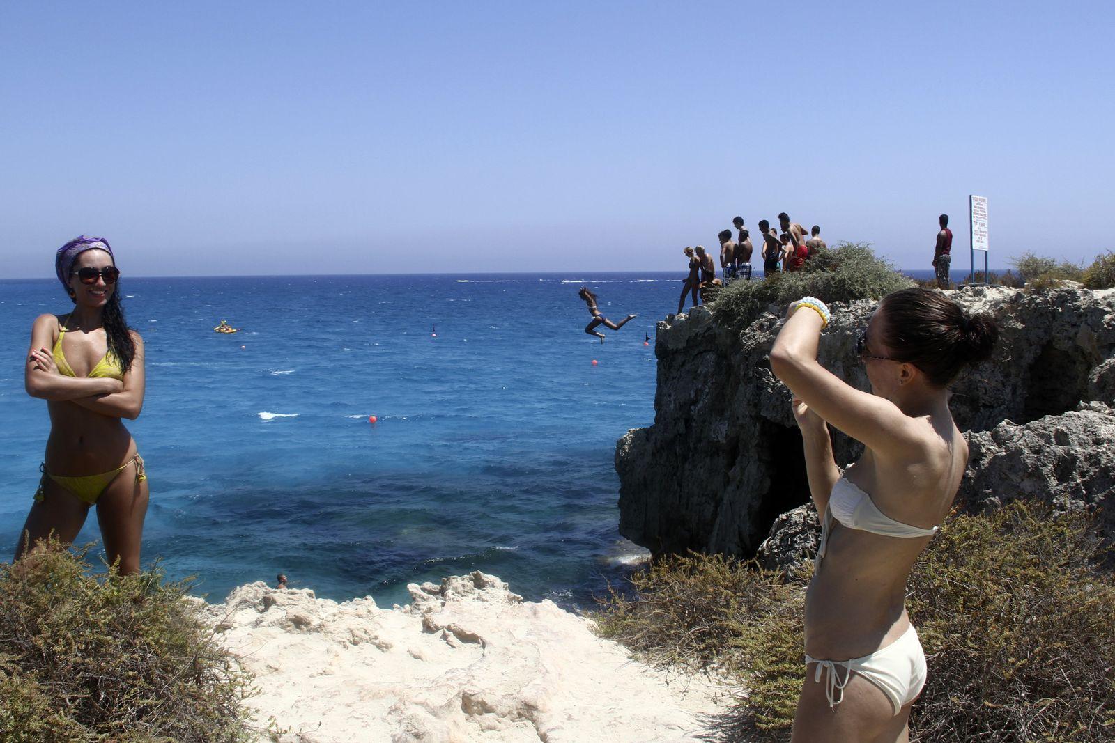 NICHT MEHR VERWENDEN! - Tourismus Zypern / Steilküste Lacarna