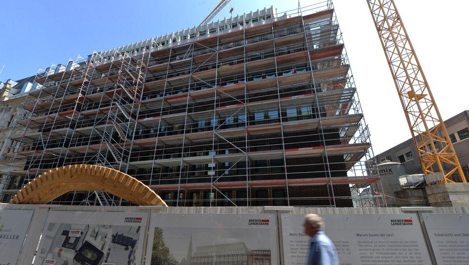 Der Neubau der Bremer Landesbank ist schon weit vorangeschritten. Faule Schiffskredite stellen jedoch die Zukunft der Landesbank in Frage
