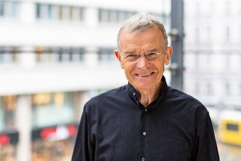 """Jugendforscher: Klaus Hurrelmann (76) betreut seit 2002 die Shell Jugendstudie und ist Professor an der Hertie School of Governance in Berlin. Den allgemeinen Abgesang auf die """"Generation Corona"""" teilt er nicht."""