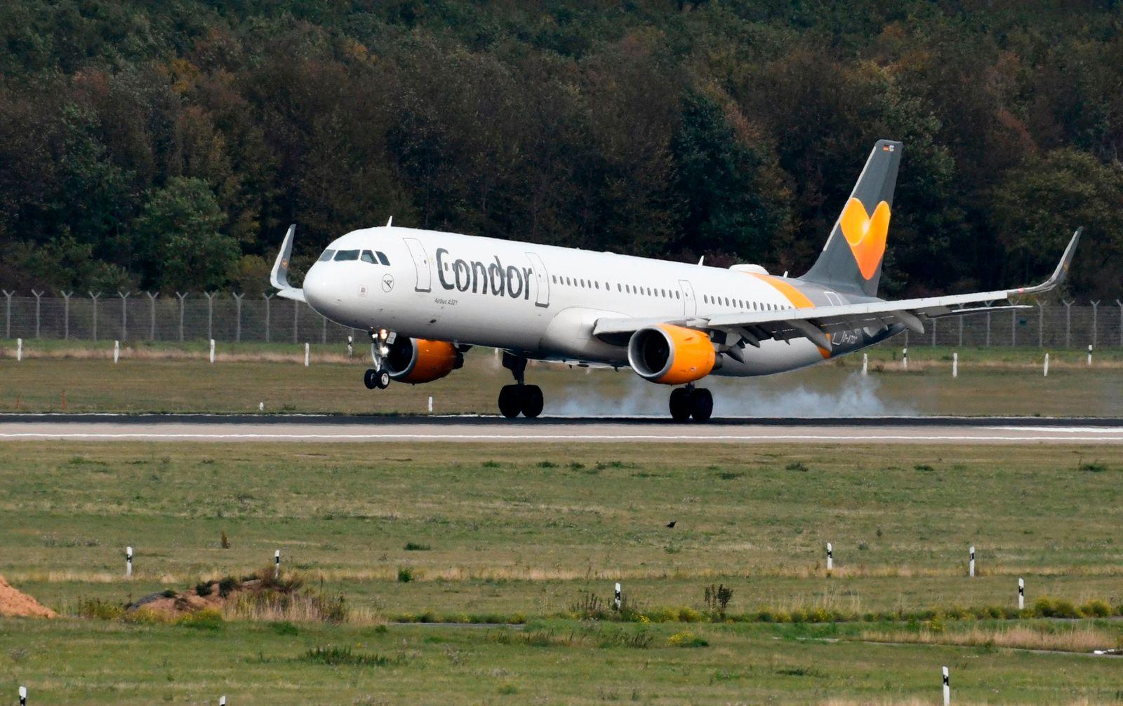 Condor Flugzeug Landung