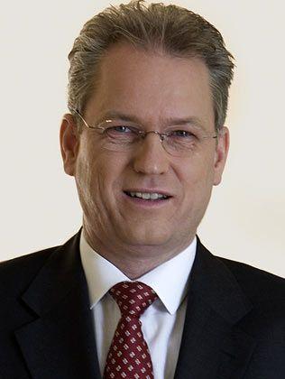 """""""Unsägliche Gerüchte"""": Der ehemalige AWD-Manager und jetzige Formaxx-Vorstand Steinmeister ist derzeit viel damit beschäftigt, den neuen Finanzdienstleister aus den Negativschlagzeilen zu holen"""