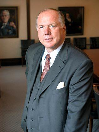 Schöne Bescherung: Kurz vor Weihnachten wird Matthias Graf von Krockow zum Rücktritt aufgefordert