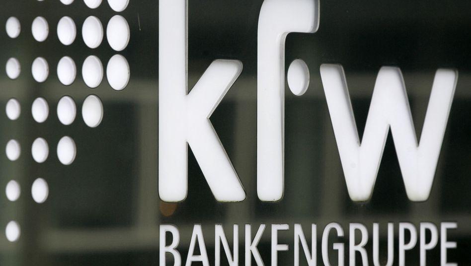 Mehr Fördergeschäft, weniger Risikovorsorge: Die Staatsbank KfW kehrt im ersten Quartal im Vergleich zum Vorjahreszeitraum wieder Gewinne