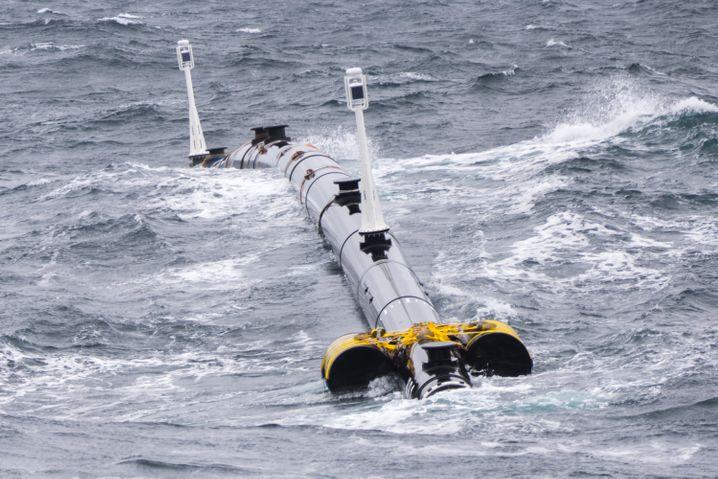 """Testbetrieb: Hier schwimmt der erste Fangarm von """"The Ocean Cleanup"""""""