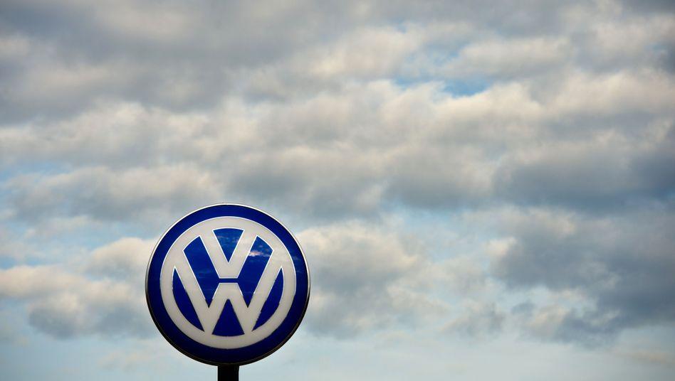 Volkswagen hat seinen Erzrivalen Toyota im vergangenen Jahr beim Autoabsatz in die Schranken gewiesen