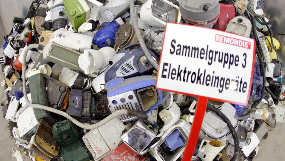 Sammelstelle für Elektroschrott: Auch Discounter oder andere Lebensmitteleinzelhändler müssen künftig alte Elektrogeräte annehmen