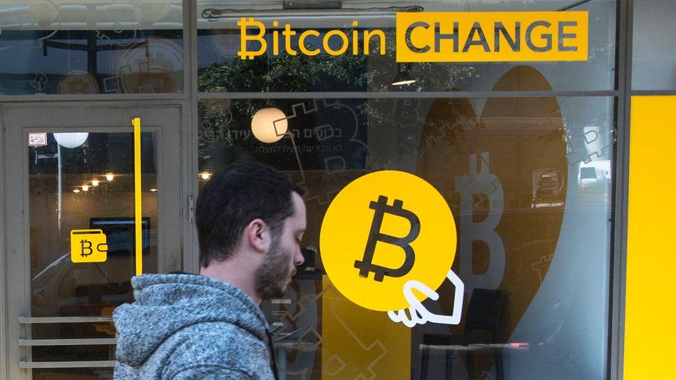 "Passant vor ""Bitcoin-Wechselstube"""