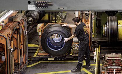 Reifenwerk in Hannover: Trotz höherer Kautschukpreise soll die Sparte profitabel bleiben