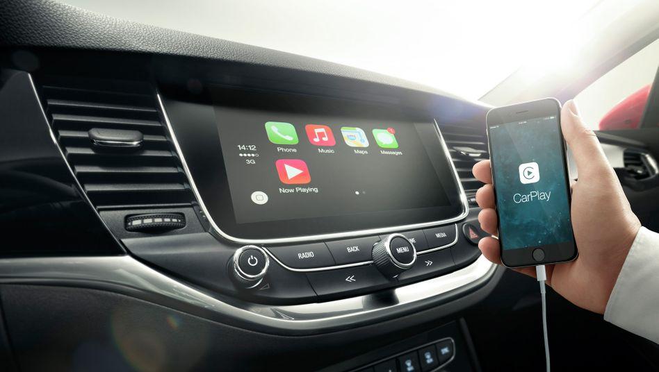 Apple: Bei der Auto-Elektronik ist der iPhone Konzern schon vertreten. Doch der Einstieg in den Automarkt mit einem eigenen iCar dürfte nicht leicht fallen