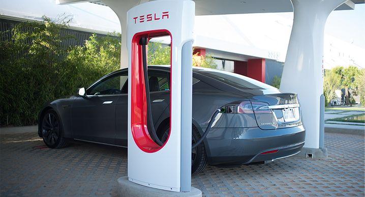 Supercharger von Tesla: Wie sauber ist der Strom aus der Stromsäule?