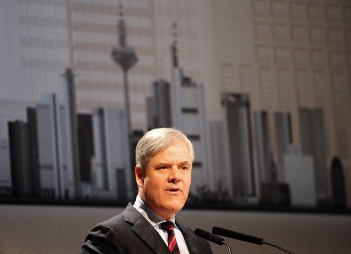 Sind alle vier großen griechischen Banken langfristig überlebensfähig? Andreas Dombret, Vorstandsmitglied der Deutschen Bundesbank, zweifelt die Solvenz der griechischen Banken an