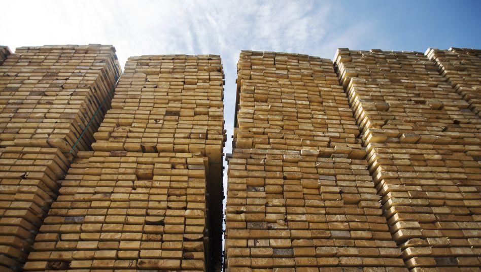 Schnittholz ist das neue Gold: Von den starken Preissteigerungen profitieren die skandinavischen Forstriesen Stora Enso und SCA derzeit besonders