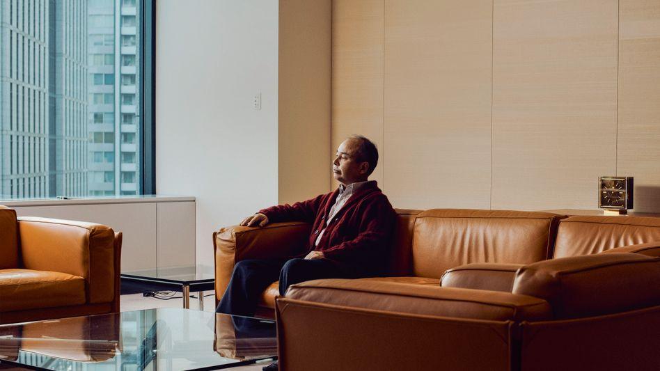 Schuldenkönig: Softbank-CEO Masayoshi Son hat sein Geschäft auf hohen Schulden und spektakulären Bewertungen aufgebaut. Das rächt sich nun.