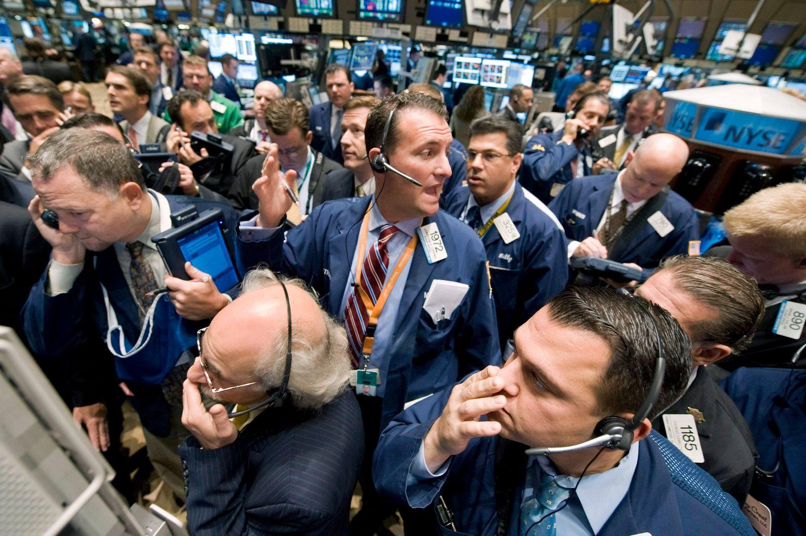 NUR FÜR SPAM APTOPIX Wall Street