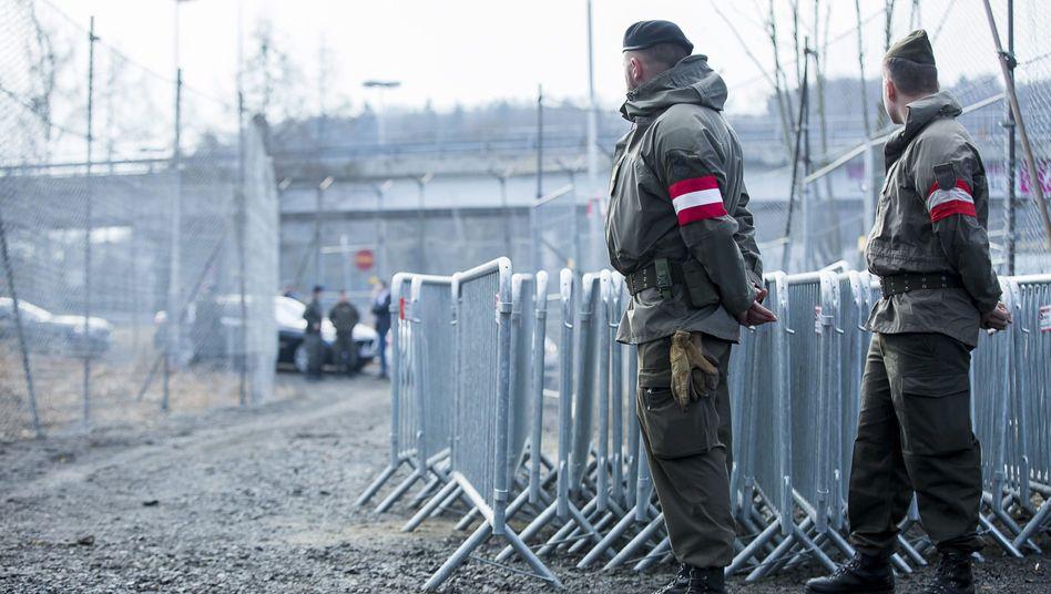 Österreichische Patrouille an der Grenze zu Slowenien: Der Streit innerhalb der EU um Grenzkontrollen setzt auch der Industrie schwer zu