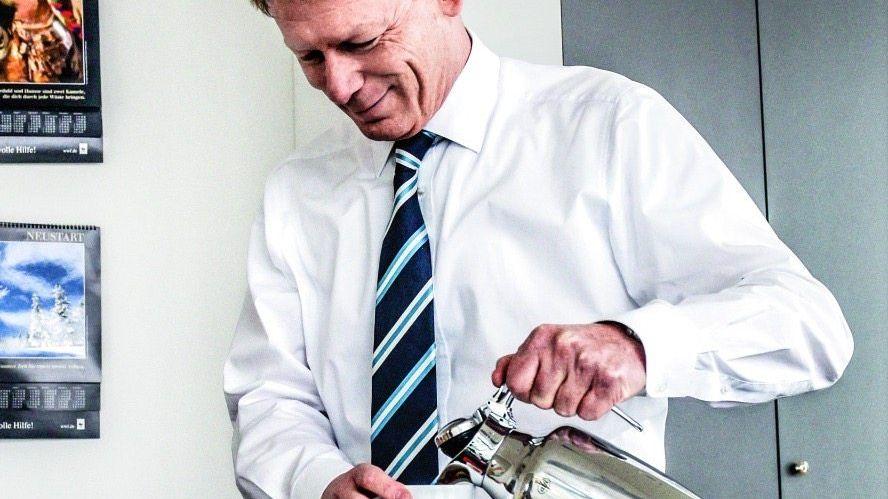 NUR DIE RUHE Den Aufstieg zum Konzernchef hat Richard Lutz (r.) schnell verdaut