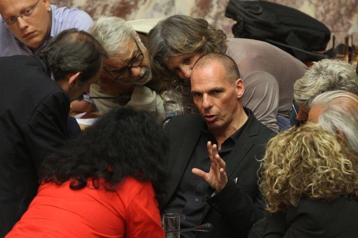 Giannis Varoufakis im Athener Parlament: Es gab einen Plan B - der wurde aber nicht bis zu Ende verfolgt