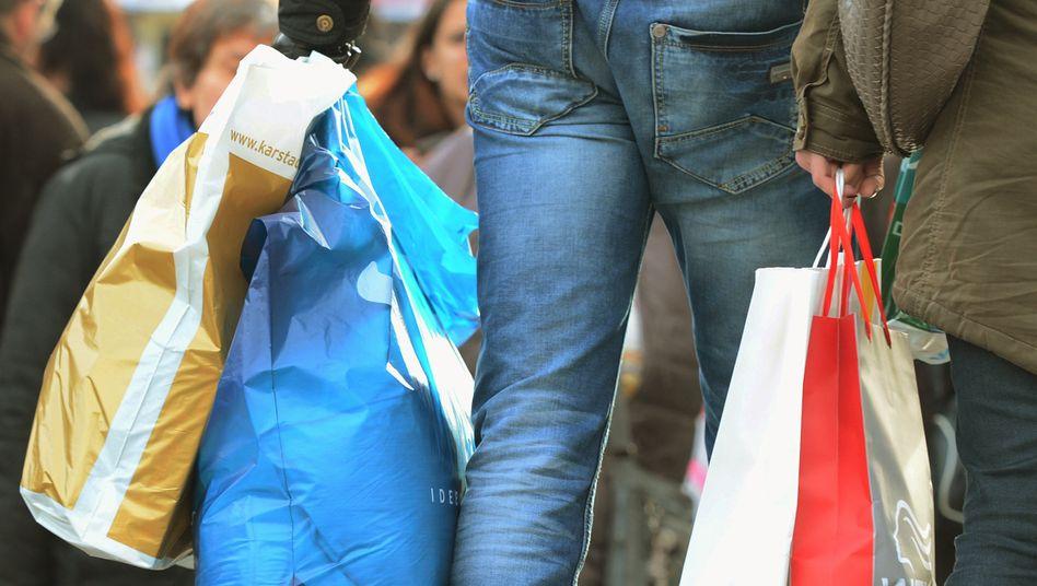 Immer mehr Deutsche haben wieder Lust zu shoppen