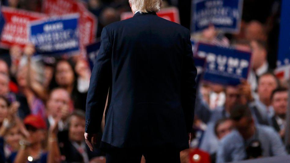 Großer Jubel in Blau-Weiß-Rot: Donald Trump nimmt die Nominierung seiner Partei an