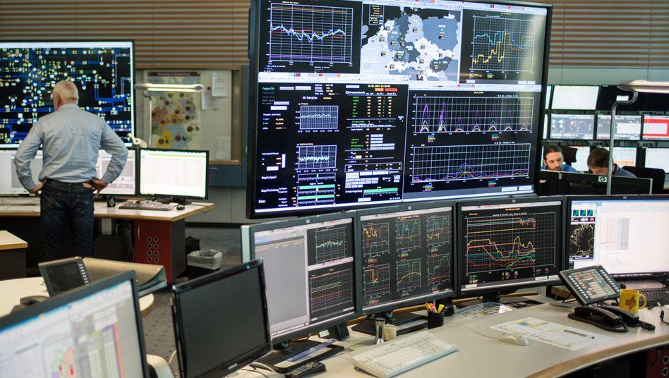 Wann welcher Strom ins Hochspannungsnetz darf und wann nicht, darüber entscheidet das Steuerungszentrum des Stromnetzbetreibers Tennet