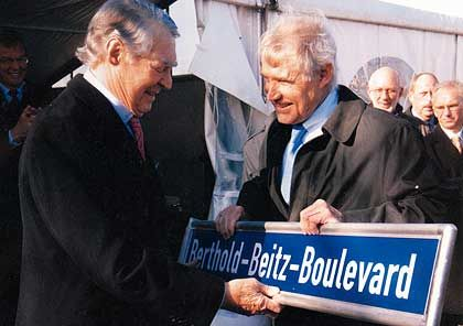 Kommunalpolitik: Mai 2007 - Beitz wird Namensgeber der Straße, an der das neue ThyssenKrupp-Quartier entsteht