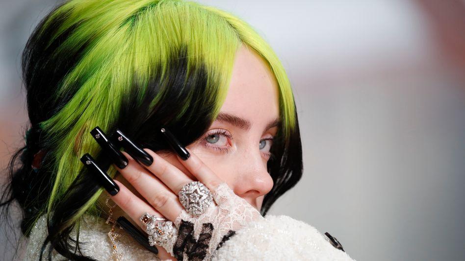 Topstars unter Vertrag: Künstler wie Billie Eilish (im Bild), Lady Gaga oder Taylor Swift haben sich Universal gegenüber verpflichtet