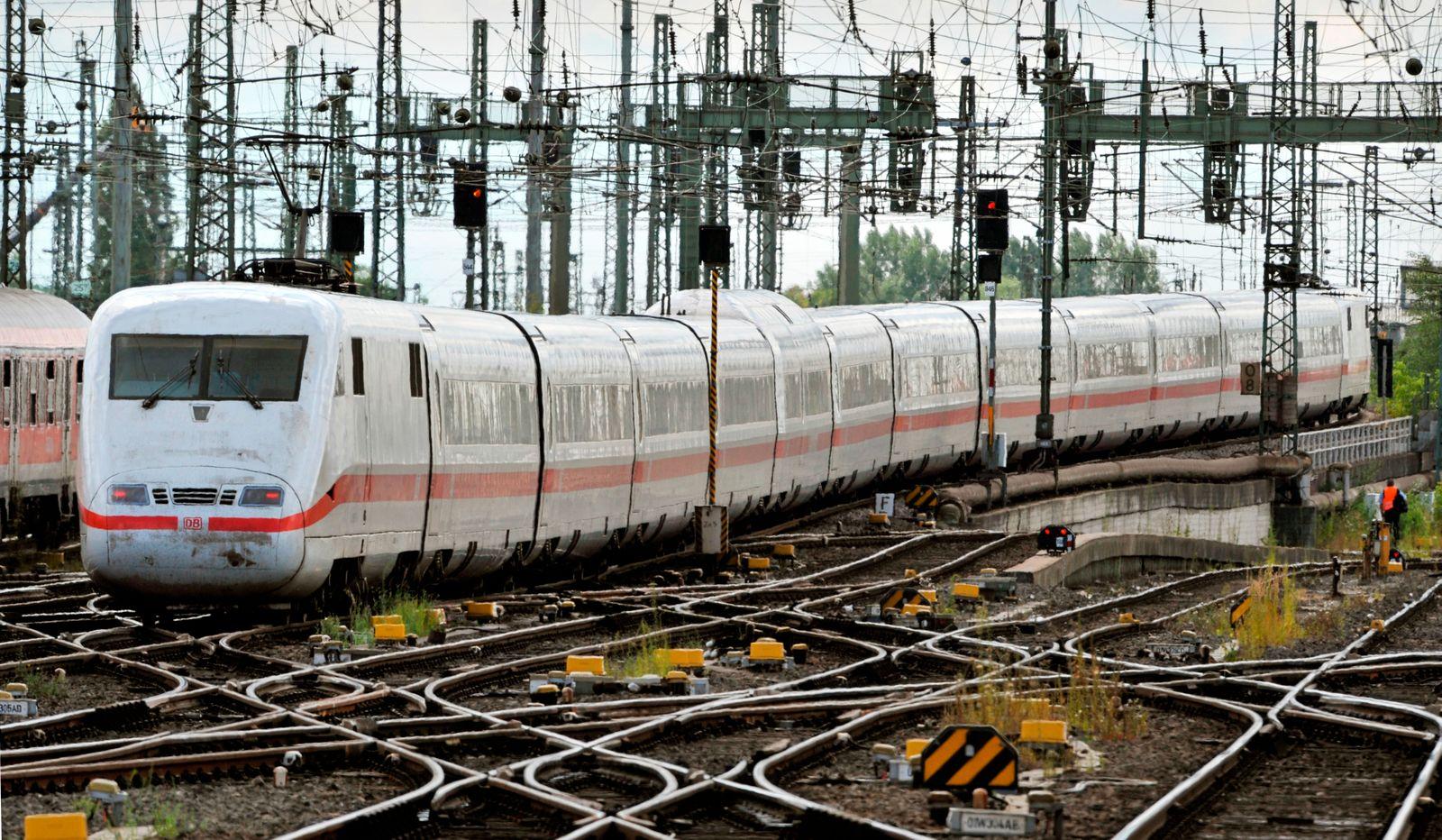 Bahn / Strom / Energie / ICE