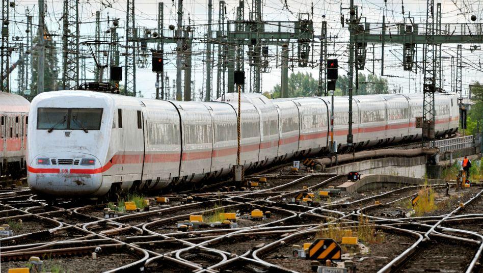 Die Deutsche Bahn geht gegen Preisabsprachen vor - etwa bei Schienenherstellern oder Kaffeelieferanten