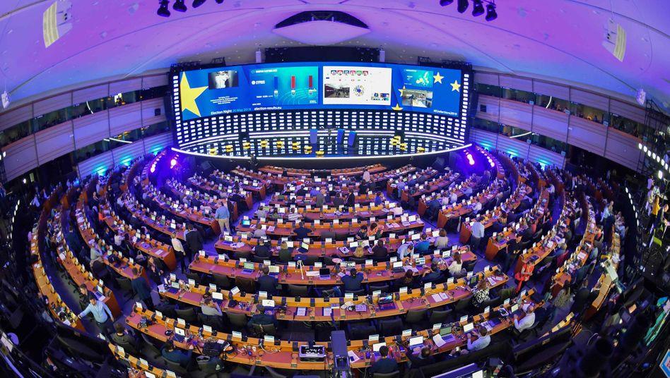 EU-Parlament Brüssel: Im Saal des Parlaments selbst werden keine Schlafstellen eingerichtet, sondern in einem Teil der zahlreichen Räume des riesigen Gebäudes.