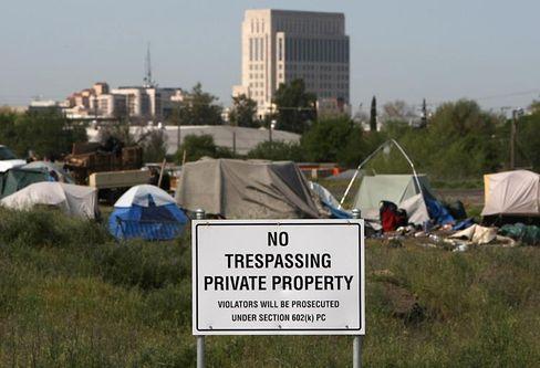 """Zeltdorf in Sacramento: """"Die Krise überrollt die Mittelschicht"""" (bitte noch SF aus 1502209 bauen)"""