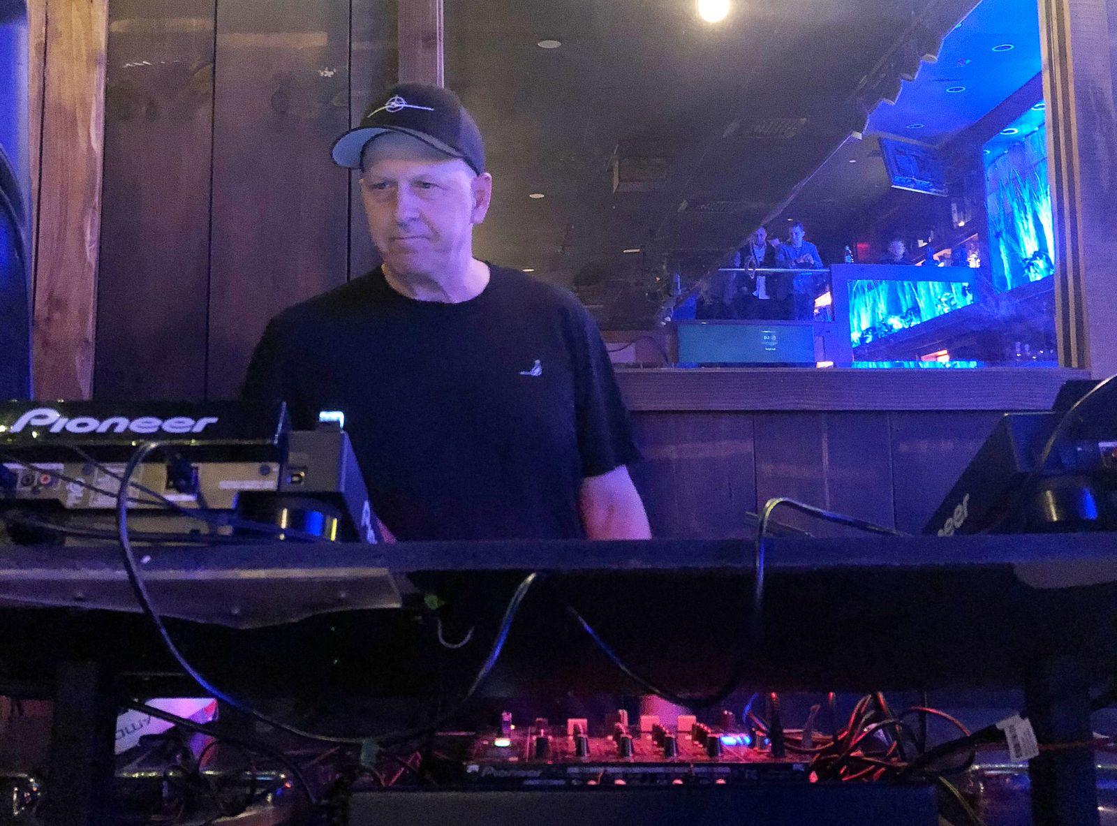 David Solomon als DJ D-Sol