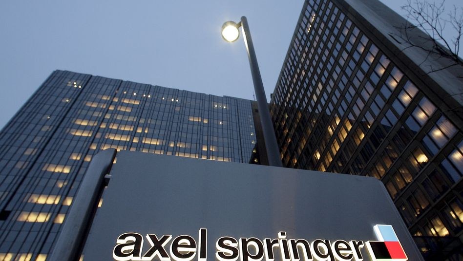 Axel-Springer-Verlag in Berlin: Mithilfe von Scheinrechnungen sollen Ex-Mitarbeiter Millionen abgezweigt haben