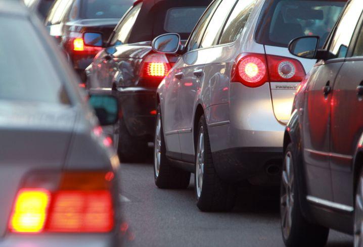 Berufsverkehr: Wenn sich jeweils vier Leute ein Auto teilen würden, wäre nicht ganz so viel los auf den Straßen