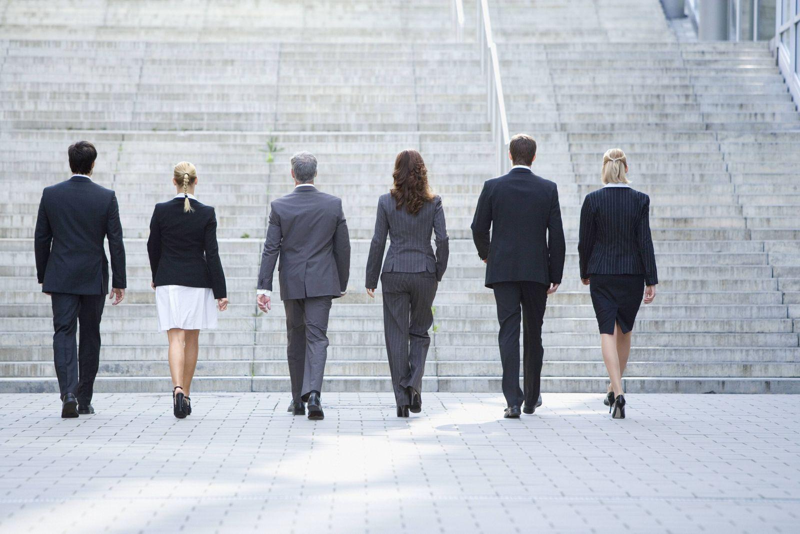 EINMALIGE VERWENDUNG Geschäftsleute / Businesspeople / Manager / Managerin