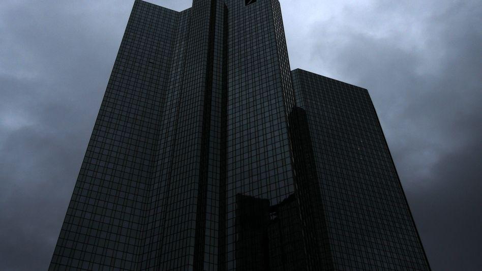 Deutsche Bank in Frankfurt: Wieder stehen Deutschbanker vor Gericht