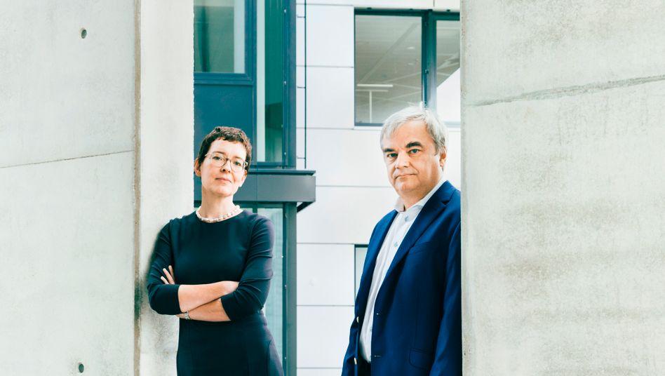Total digital: Das Führungsduo Birte Hackenjos und Markus Reithwiesner leitet seit über 20 Jahren den kompletten Umbau des ehe maligen Fachverlags Haufe in Freiburg
