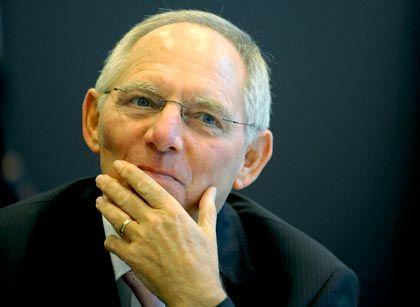 Geht die Rechnung auf? die Bundesregierung mit Finanzminisetr Schäuble will mit Steuersenkungen das Wachstum anregen