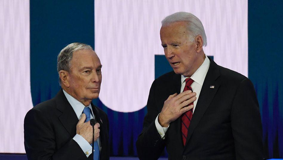 Da waren sie noch Konkurrenten: Michael Bloomberg (l.) und Joe Biden während einer Fernsehdebatte der Kandidaten für die Präsidentschaftskandidatur im Februar