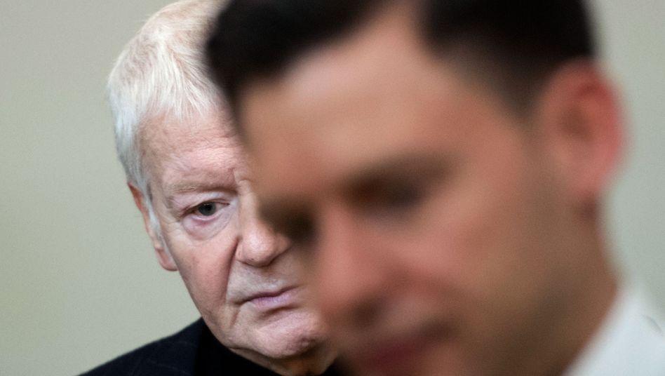 Scheitern allein lässt sich nicht bestrafen: Ex-Drogeriekönig Anton Schlecker vor dem Urteil