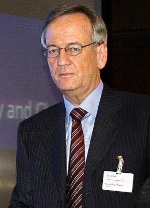 """Heinrich von Pierer Ex-Vorstandsvorsitzender Siemens,jetzt Chef des Aufsichtsrats Gesamtbezüge 2004: 4,6 Mio. Euro (Dax-Durchschnitt: 3,6 Mio. Euro) Eigenkapitalrendite nach Eigenkapitalkosten: -1,6% (Dax: +3,8%) Wertschöpfung nach Eigenkapitalkosten: -14,9% (Dax: -1,6%) Gesamtbezüge-Platzierung im Dax-Vergleich: Rang 6 """"Pay for Performance""""-Platzierung im Dax-Vergleich: Rang 24"""
