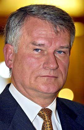 Heinz Bauer: Kein Vertrauen in die alte Kirch-Truppe