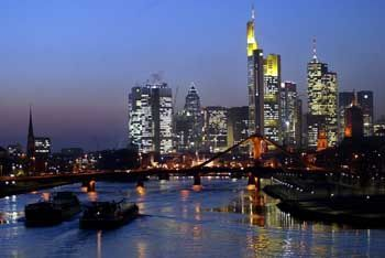 Bankenplatz Frankfurt: Hält die Fassade?