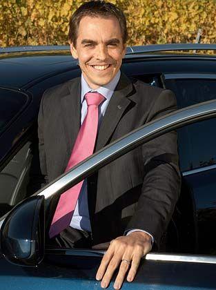 Bastien Schupp (36) ist der Marketingdirektor von Infiniti in Europa. Der Deutsch-Franzose arbeitete acht Jahre bei Audi und war dort französischer Kommunikationschef. Für Nissan war er bereits anderthalb Jahre im Marketing tätig.