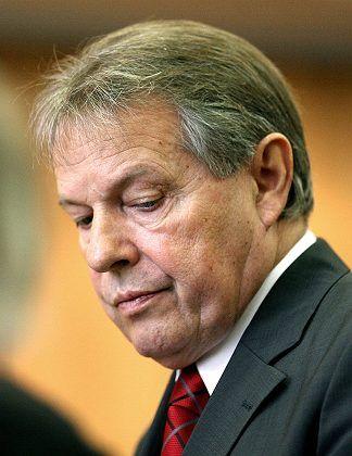 Soll Barros bei VW eine Scheinanstellung verschafft haben: Ex-VW-Betriebsratschefs Volkert
